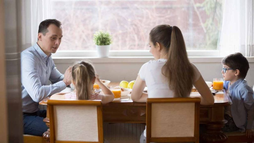 healthy family eating a meal